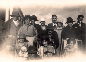 18 Westcott family Unknown date and who is who