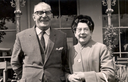 35 uncle Harold and Aunty Glad