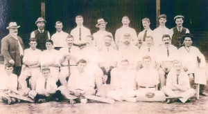 George Stumps Titheridge in the Swanmore Cricket team 1907 - George middle row far right