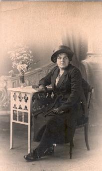Rose Titheradge (nee Rose Warding Moss) Mike's Grandmother (1878 - 1928)