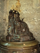 Statue of Queen Vuictoria in the Great Hall Winchester